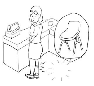 노동자 뒤쪽에 의자가 놓여 있을 경우, 보통 엉덩이와 의자 간의 거리는 50cm가 채 되지 않는다. 앉을 권리를 집단으로 요구하기 시작한 지 10년이 넘었지만, 그 짧은 간극을 메우는 일 조차 아직도 요원한 듯 보인다.