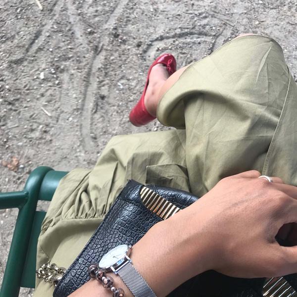 지난해 여름, 나는 남편 없이 안달루시아의 열기 속에, 까딸루냐의 유흥 안에, 지중해의 햇살 아래, 토스카나의 풍미 속에, 그리고 에펠탑의 불빛 곁에 머물렀다. 우리 부부에게 많은 것을 남긴 76일간의 자발적 별거였다.