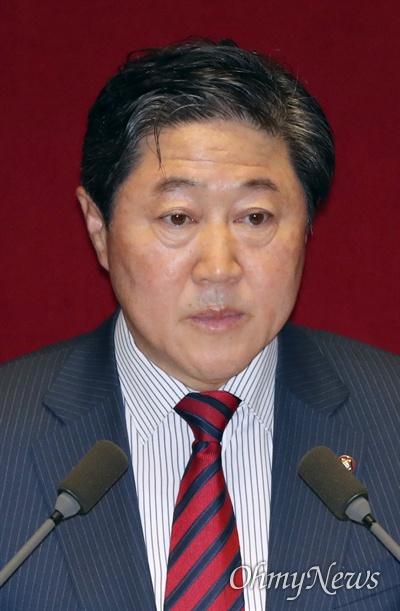 대정부질문 나선 유기준 의원 유기준 자유한국당 의원이 9일 국회 본회의장에서 정치·외교·통일·안보 분야 대정부질문을 하고 있다.