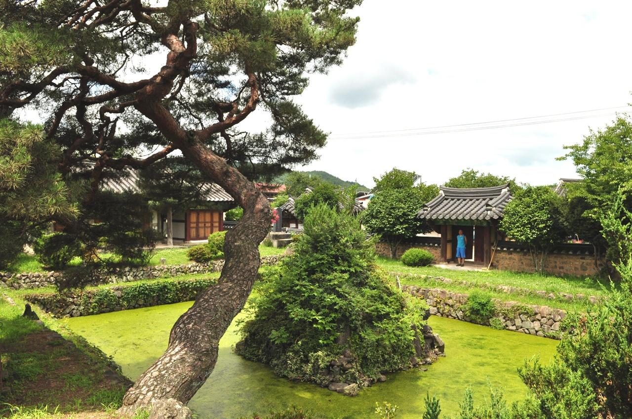 조선후기 전원문화의 전통을 고스란히 간직하고 있는 무기연당의 아름다움과 운치있는 모습에 온전히 마음을 뺏겼다.