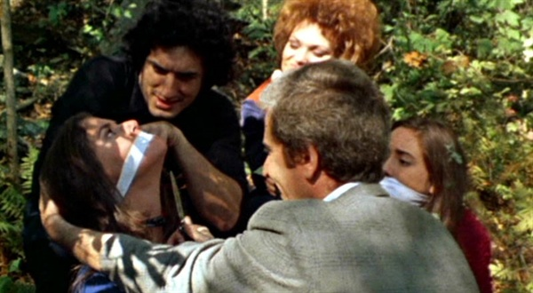 영화 <왼편 마지막 집>(1972) 스틸 컷.