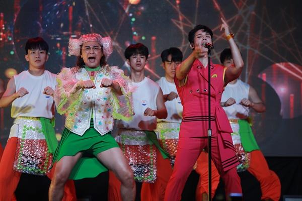노라조 노라조가 새로운 디지털 싱글 '샤워'로 돌아왔다.