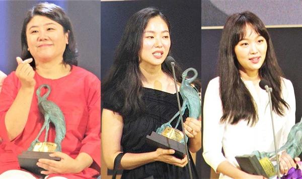 24회 춘사영화제 여우조연상을 수상한 <기생충> 이정은 배우, 신인여우상 공동 수상자인 전여빈, 진기주 배우