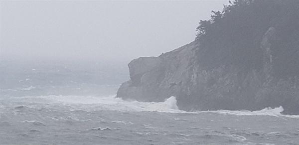 여수 동고지명품마을에 도착한 제5호 태풍 다나스의 모습
