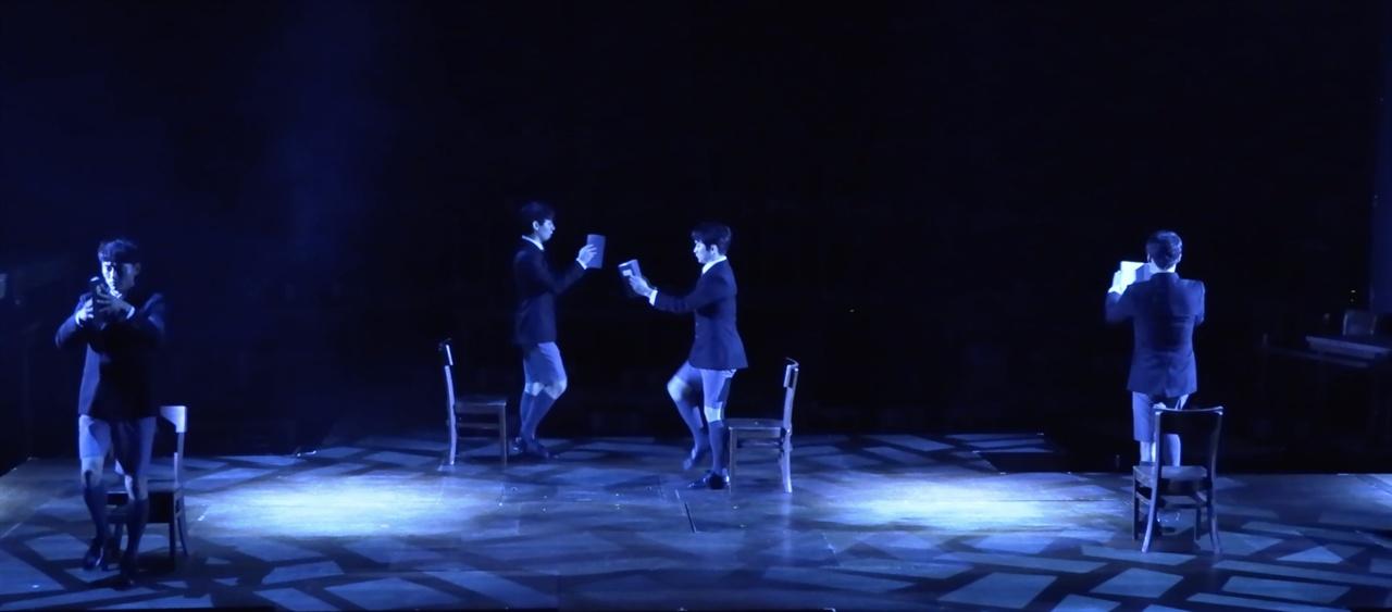 연극 <알앤제이>의 한 장면