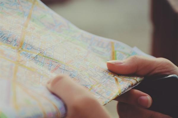 은애씨의 꿈은 영어를 배워서 세계여행을 하는 것이다. 지적 장애가 있지만 어떤 일이든 할 수 있다는 준비가 되어있다.