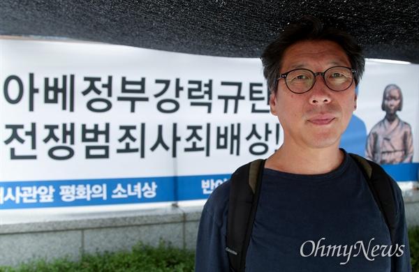 평화의 소녀상을 만든 김운성 조각가.