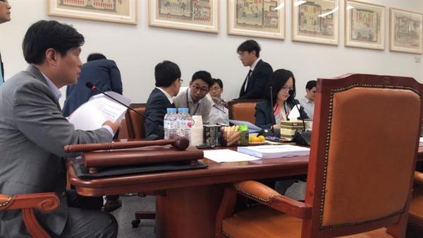 교육위 법안소위에서 진행 중인 조승래 의원