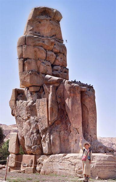 강매 당한 전통의상 겔라비아는 강한 햇빛을 조금은 가려주었다.