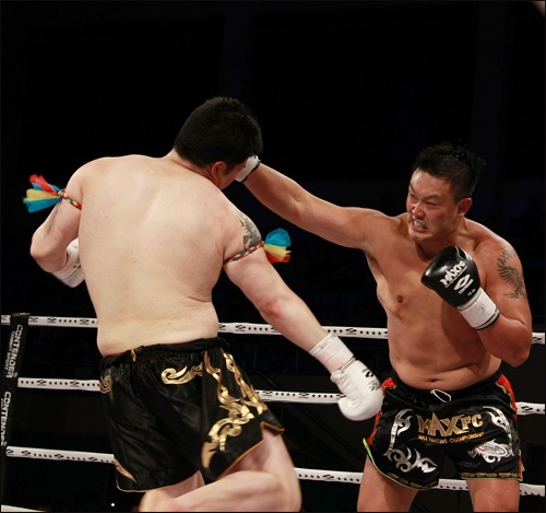 명현만은 파이터답게 링위에서 일본선수와 맞붙어 강력한 일격을 날리고 싶어한다.