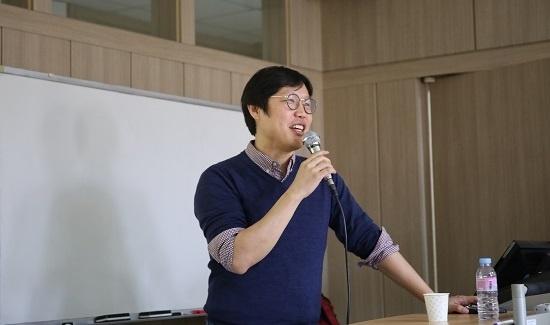 김준일 <뉴스톱> 대표는 세명대 저널리즘스쿨에서 '디지털 저널리즘 시대의 신뢰성 위기'를 주제로 두 번째 주제 강연을 했다.
