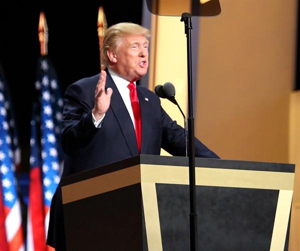 도널드 트럼프 대통령. 사진은 2016년 7월 공화당 전당대회에서 대통령 후보 수락연설을 할 때의 모습.