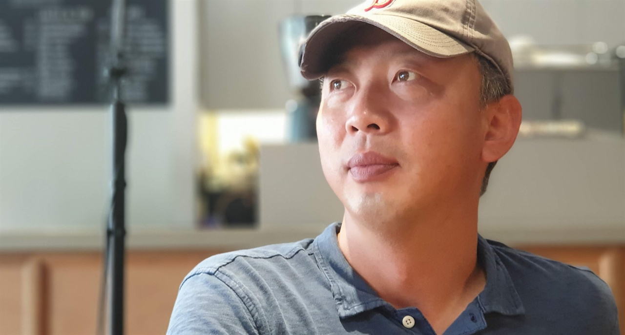 인권위에 '초등학생 수저 크기' 문제 진정서를 냈던 오문봉 교사.
