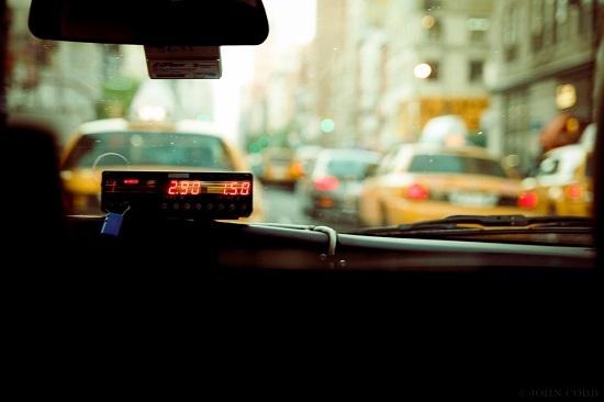택시를 타면 세상을 느낀다.