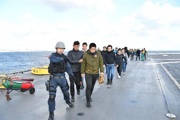 재외 일본인 보호조치 훈련중인 일본 자위대(출처: 해상자위대 홈페이지)