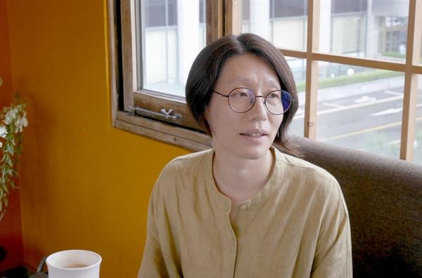 다큐멘터리 영화 <이타미 준의 바다> 정다운 감독과 김종신 피디.