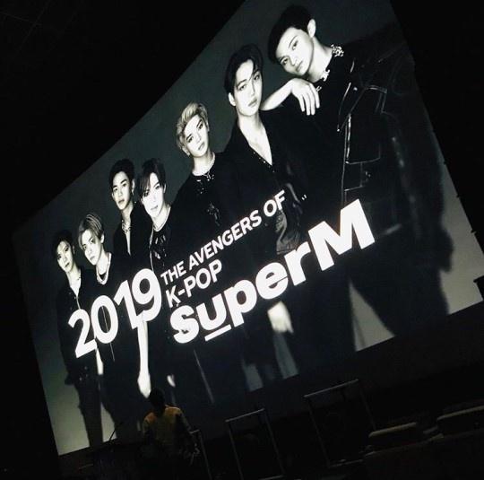 빌보드의 케이팝 전문 칼럼니스트 제프 벤자민은 SM의 공식 발표에 앞서 자신의 SNS 계정을 통해 SM의 슈퍼엠 런칭을 제일 먼저 소개해 관심을 모았다.