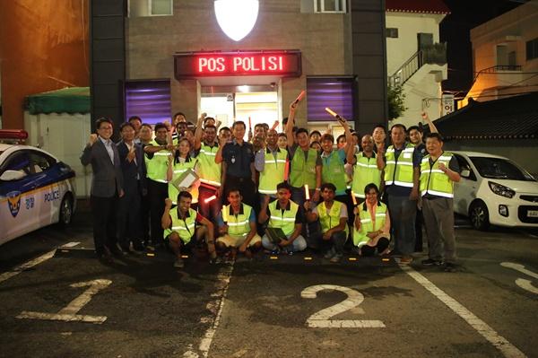 진정무 경남지방경찰청장이 8일 저녁 김해 동상동 외사치안안전구역을 찾아 민관 합동 점검을 벌였다.
