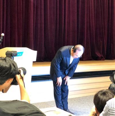 윤동한 한국콜마 회장 윤동한 한국콜마 회장이 11일 기자회견을 열고 대국민 사과를 했다.