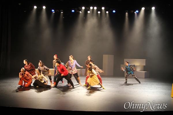 인천시립무용단은 8월 24일 인천문화예술회관 소공연장에서 '라디오 댄스'로 돌아온 <산-64번지> 앙코르 공연을 갖는다.