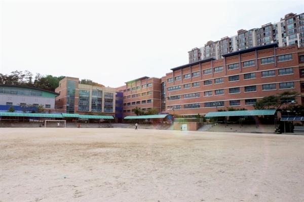용인신촌중학교