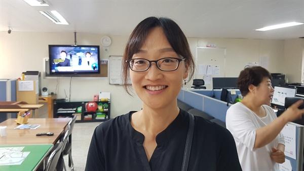 경력 14년 차인 김계연 수화통역사는 이날 통역을 위해 청각언어장애인들과 함께 논산으로 출장을 떠나기도 했다.