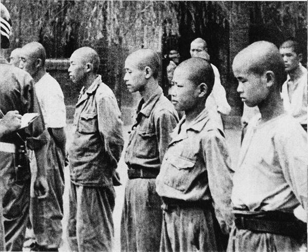 10. 인민군 소년 포로(1950. 7.).