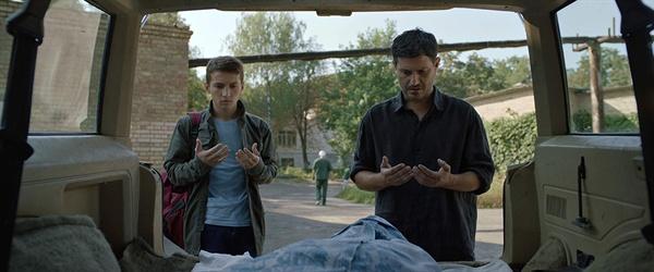 나리만 알리예브(Nariman Aliev)감독의 영화 <홈워드 Homeward> 스틸컷