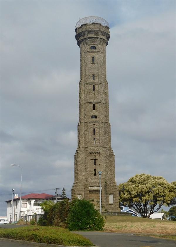 세계 1차 대전 참가를 기념하는 기념탑