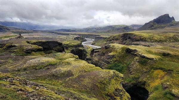 아이슬란드 체류 기간 연장을 위해 떠난 아이슬란드에선 The Laugavegur Trail, 150km를 걸었다. 피시티와는 완전히 다른 풍경과 경험을 내어준 길이었다.