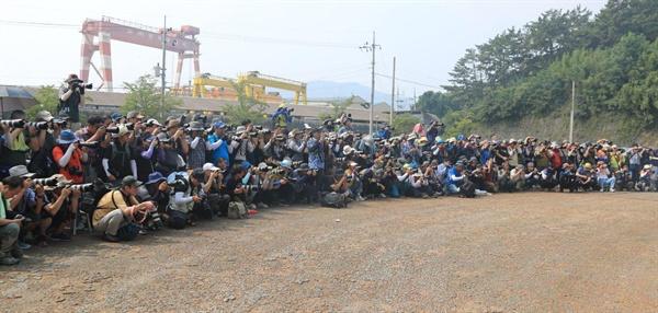 18일 (주)한국야나세 특설촬영지에서 열린 '제35회 마산 전국 세미누드 촬영대회'.