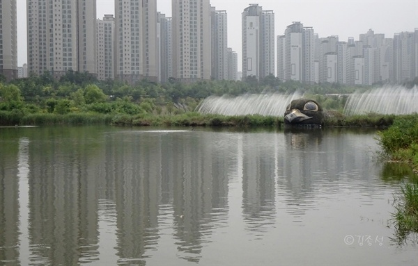 주민들의 안식처 운정호수공원.