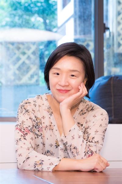 영화 <우리집>을 연출한 윤가은 감독.