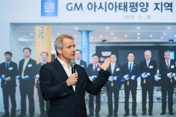 줄리안 블리셋(Julian Blissett) 지엠 해외사업부 사장이 21일 한국지엠 부평 본사를 방문했다.