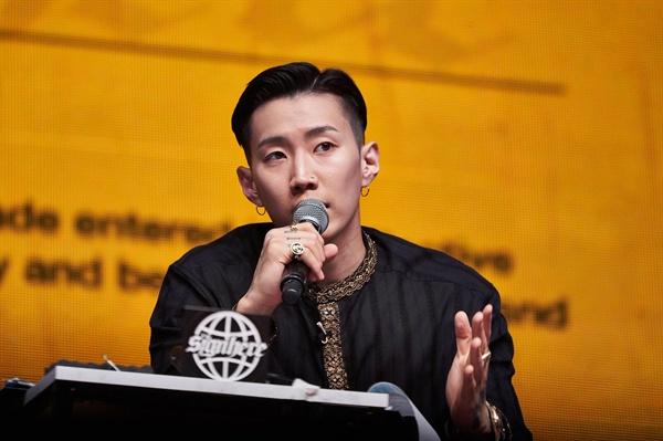 사인히어 MBN의 새 힙합 오디션 프로그램 <사인히어>의 제작발표회가 22일 오후 서울 장충동의 한 호텔에서 열렸다.