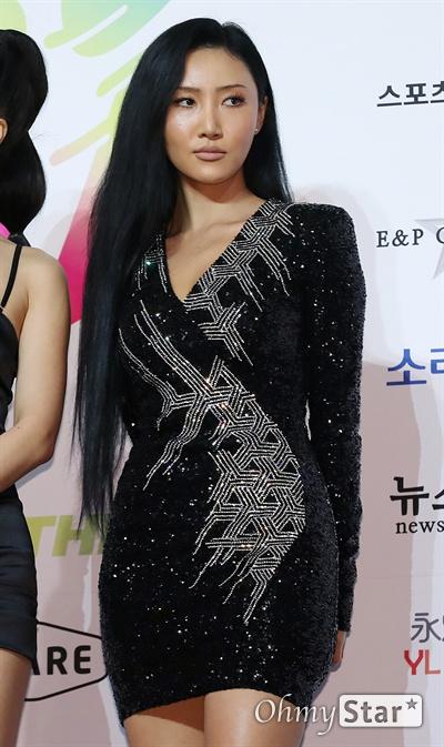 '마마무' 화사, 오늘도 한 멋짐! 마마무의 화사가 22일 오후 서울 올림픽공원 올림픽홀에서 열린 <2019 소리바다 베스트 케이뮤직 어워즈> 포토월에서 포토타임을 갖고 있다.