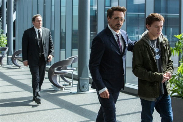 영화 <스파이더맨 : 홈커밍>의 한 장면