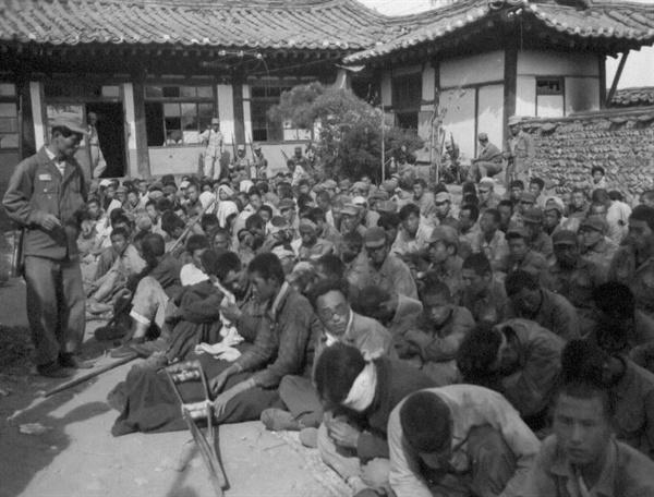 인민군 포로들(1950. 9. 29.).