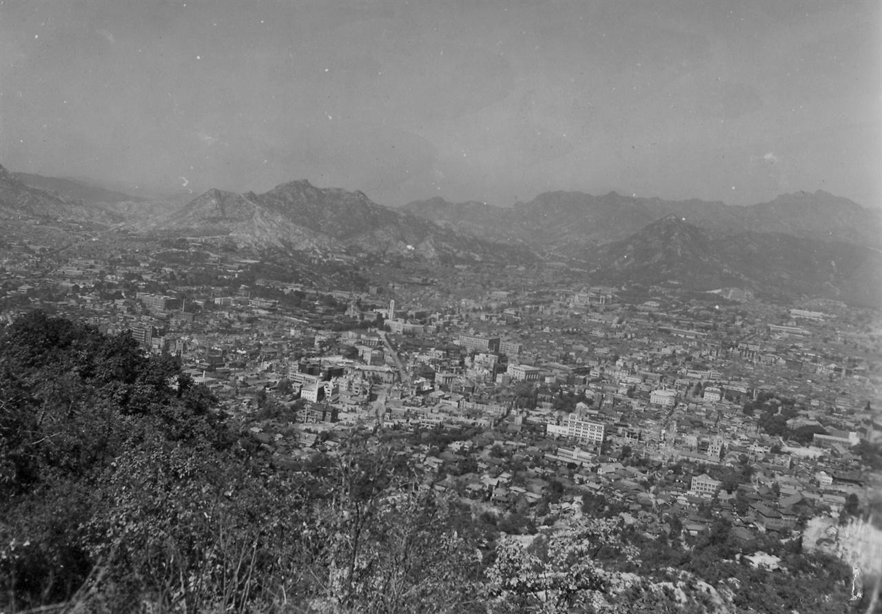 항공기에서 내려다 본 서울 3 (1950. 10. 1.).