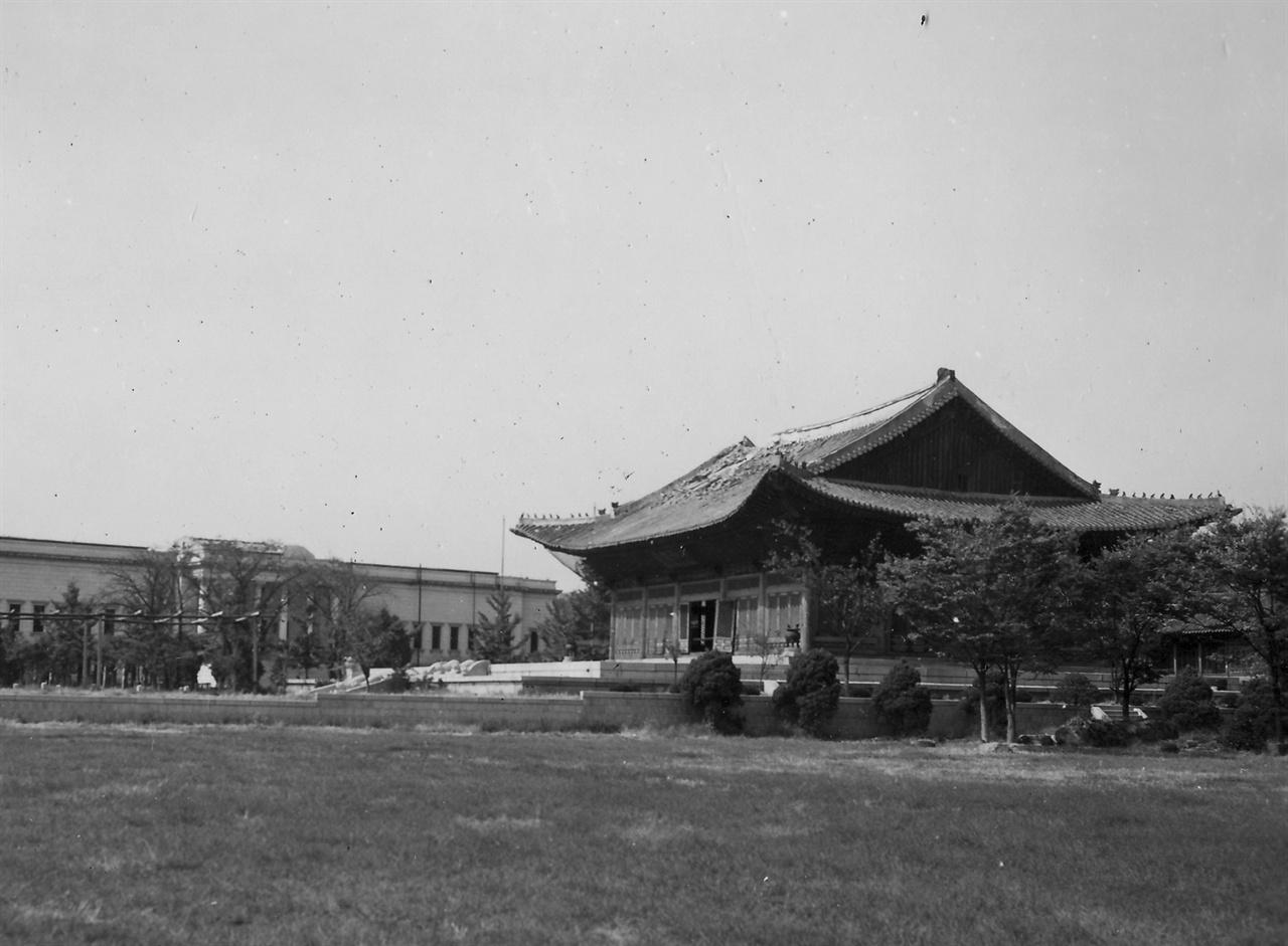 서울 덕수궁(1950. 10. 6.)