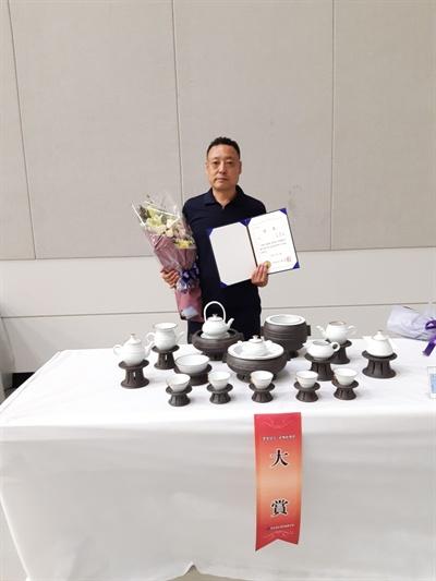 '제49회 대한민국 공예품대전'에서 대통령상을 받은 임영택 작가.