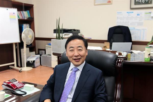 마이스터교인 여수석유화학고등학교 초대 교장 퇴임을 앞둔 조영만 교장