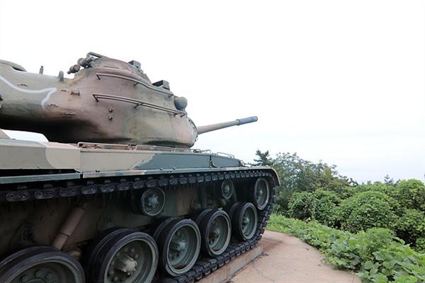 심청각 인근에는 북한을 바라보고 서있는 탱크가 놓여있어 최전방임을 느낄수 있었다.