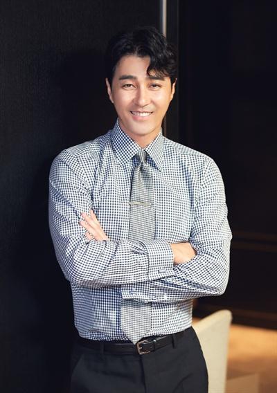영화 <힘을 내요, 미스터 리>에서 강인하면서도 순박한 철수 역을 맡은 배우 차승원.