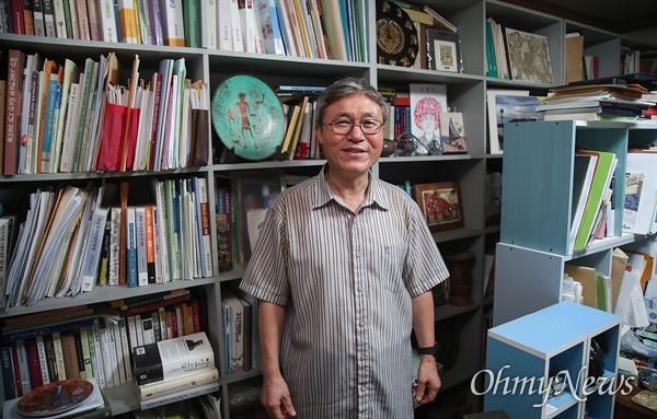 27년의 오랜 교수 생활을 마치고 퇴임한 조돈문 전 가톨릭대학교 사회학과 교수.