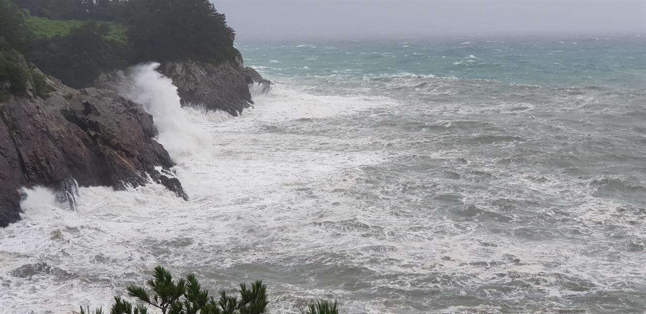 해일 동반한 제13호 태풍 링링