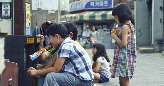 윤가은 감독의 2013년 작품인 단편 <콩나물> 스틸컷
