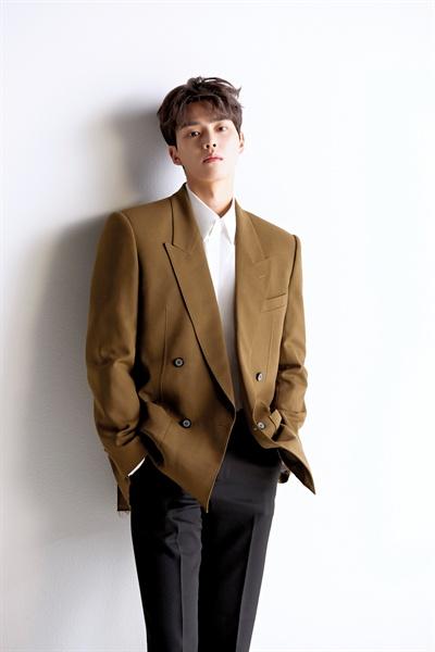 넷플릭스 오리지널 시리즈 <좋아하면 울리는> 황선오 역 배우 송강.