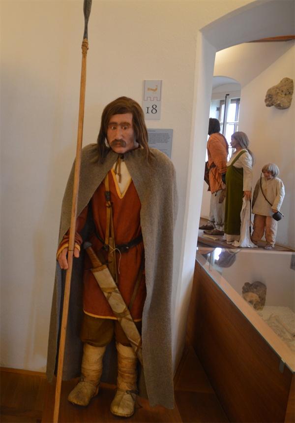 블레드 성 박물관. 블레드 지역의 역사가 치밀하게 고증되어 전시되고 있다.