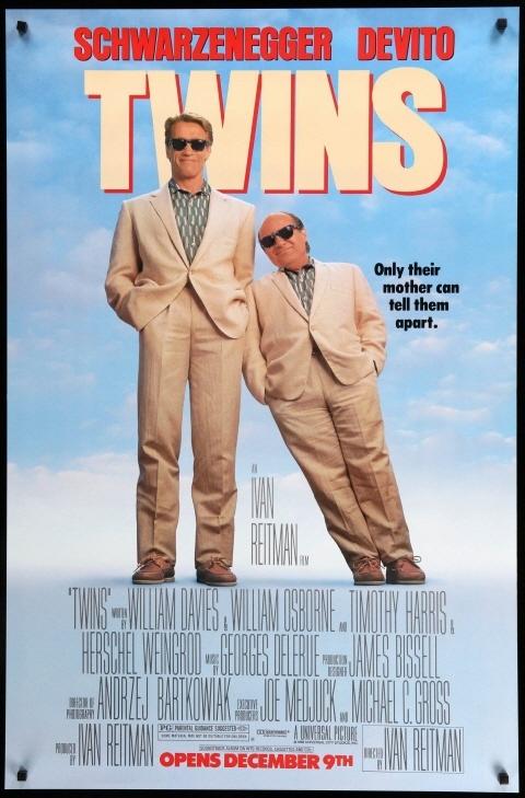 영화 < 트윈스 > 포스터